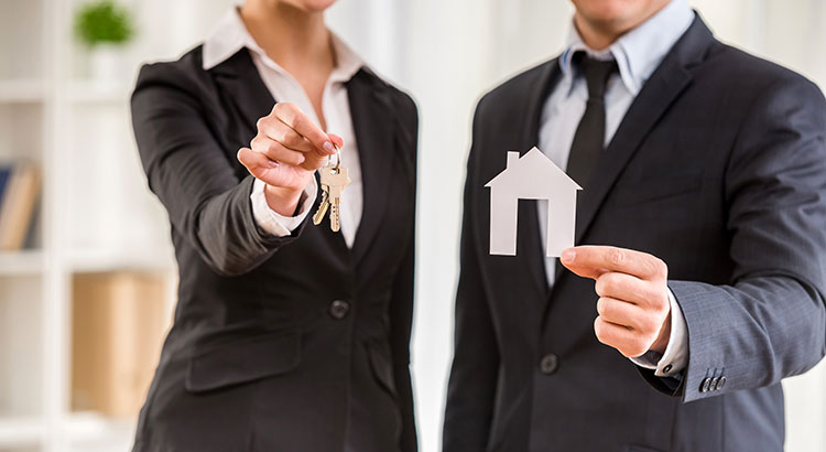 Do I need to Hire a Real Estate Professional When Buying & Selling?